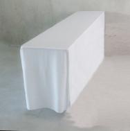 Bankett-Tisch mit Husse, weiß